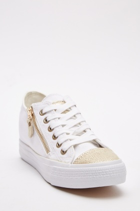 Zip Detailed Low Top Trainers
