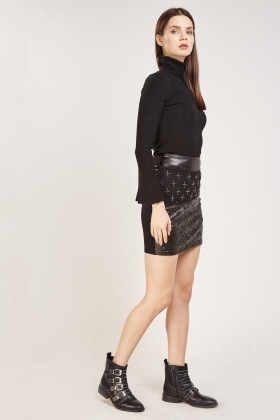 Contrast Front Black Skirt