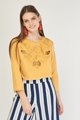 Embroidered Floral Pattern Blouse