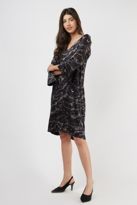 Printed Tie Up Back Shift Dress