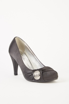 Front Detail Sateen Heeled Shoes