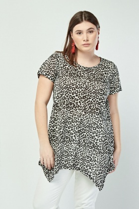 d7fe975210b27 Leopard Print Slouchy Asymmetric Top