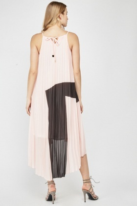 Pleated Colour Block Maxi Dress