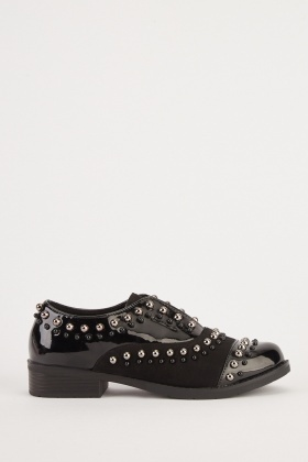 Studded Contrasted Shoes
