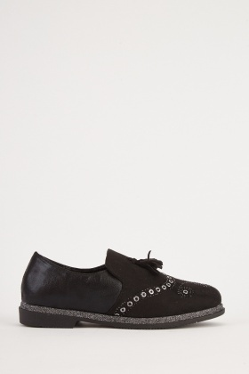Eyelet Trim Tassel Front Shoes