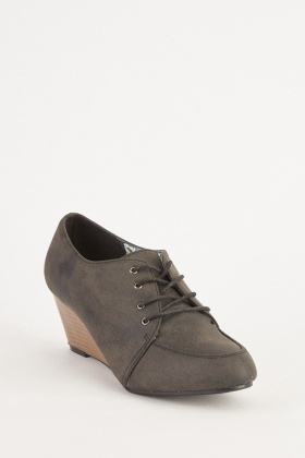 Lace Up Wedged Shoes