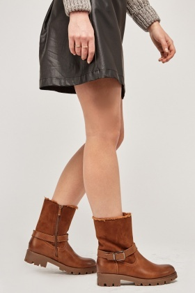 Buckle Contrasted Ankle Boots