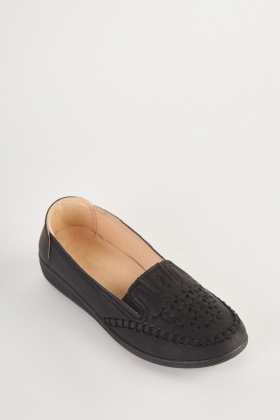 Embroidered Star Patterned Loafers