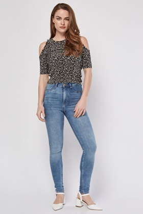 f342fcf742c Ripped Washed Blue Boyfriend Jeans. £5.00. Mid Rise Skinny Fitted Jeans