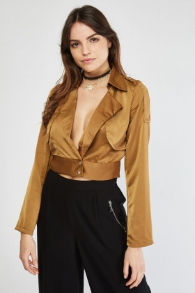 Structured Low Plunge Top
