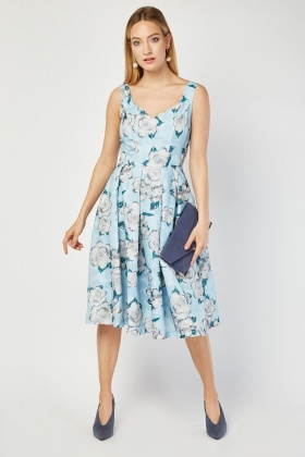 Jolie Moi Sleeveless Pleated Dress