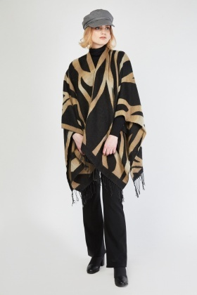 Spiral Contrasted Fringed Poncho