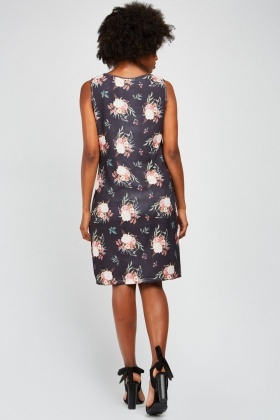 Printed Keyhole Front Shift Dress