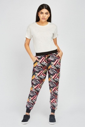 Leaf Printed Jogger Pants