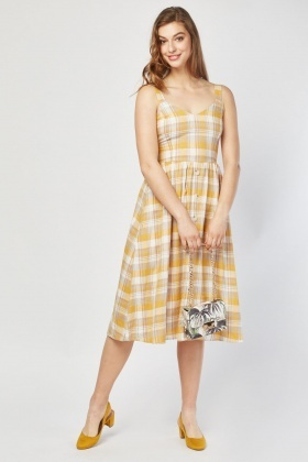 0ca3a5cb365 Button Front Midi Gingham Dress