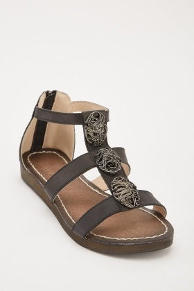 c142c84b8b52 Detailed Front Strappy Sandals