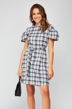 1aad19ccf6f Ruffle Sleeve Midi Dress