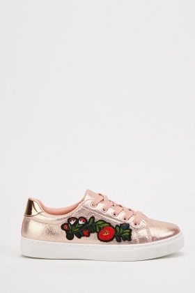 Applique Rose Side Metallic Sneakers