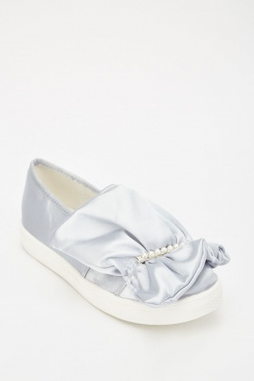 LOST INK Summer Ruffle Pearl Plimsolls