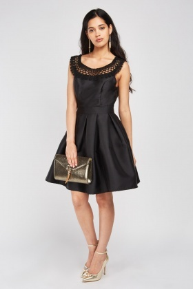 Contrasted Neck Box Pleated Dress
