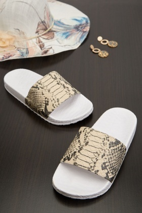 Textured Snake Skin Print Sliders