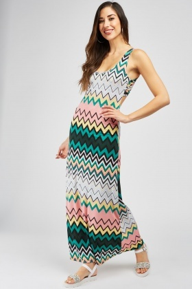 Low Back Zig Zag Pattern Maxi Dress