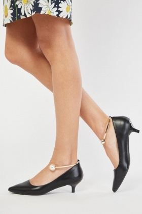 Pearl Bangle Trim Court Heels