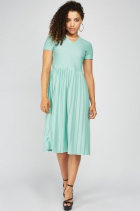 Short Sleeve Midi Pleated Dress