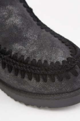 Wool Embroidered Shimmery Boots