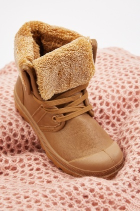 Teddy Fur Underlay Sneakers