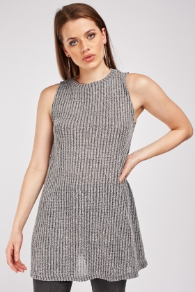Knitted Sleeveless Oversize Top