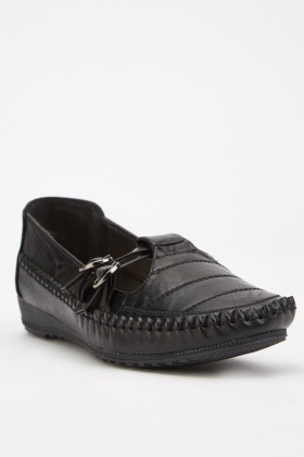 Buckle Side Flat Shoes