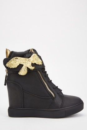 Eagle Detail Textured Wedge Boots