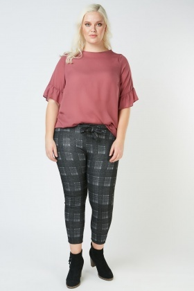 Checkered Skinny Trousers