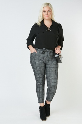 Plaid Belted Tapered Trousers