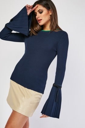 D-Ring Pleated Sleeve Rib Top
