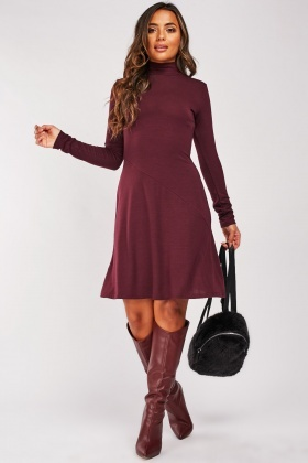 Long Sleeve Spiral Cut Panel Dress