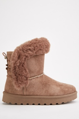 Toggle Back Winter Boots