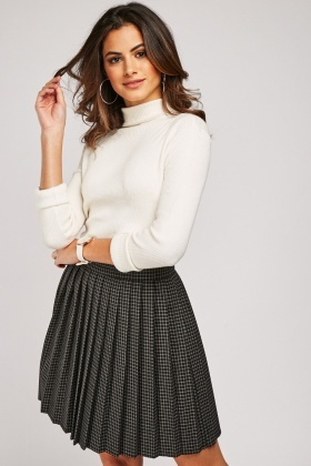 Checkered Pleated Mini Skirt
