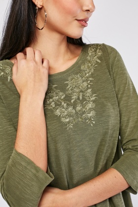 Folk Embroidered Speckled Top