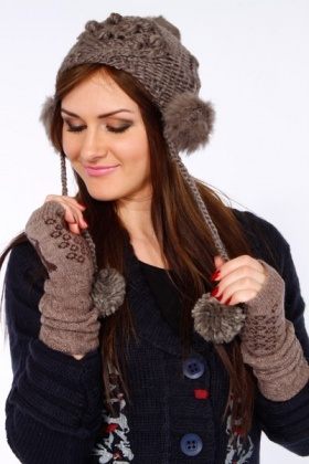 Faux Fur Pom Pom Knitted Hat