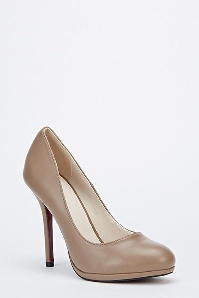 https://fiver.media/cdn-thumb/400x600/e5p/images/mu/2015/09/12/faux-leather-tapered-heels-khaki-9769-6.jpg