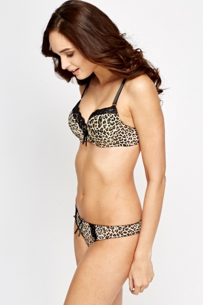 Leopard Print Padded Bra And Thong Set