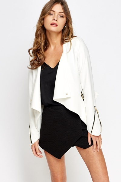 Zipped Textured Cropped Blazer