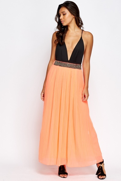Encrusted Waist Pleated Maxi Skirt