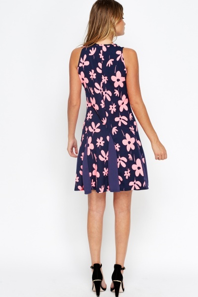 Contrast Insert Swing Dress
