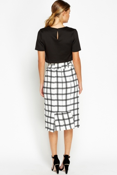 Pleated Back Grid Midi Skirt