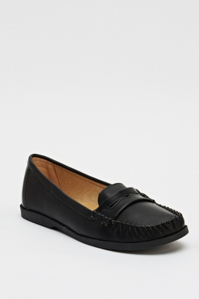 Quilted Front Faux Leather loafers