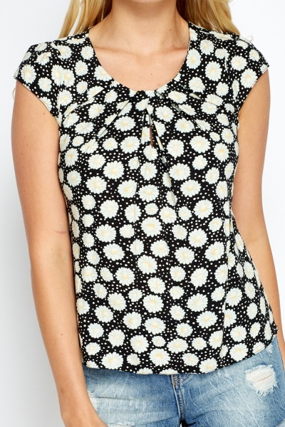 Pleated Neck Daisy Print Top