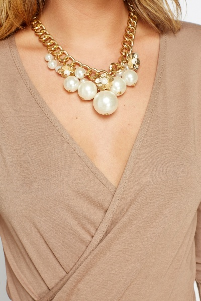Pendant Faux Pearl Necklace